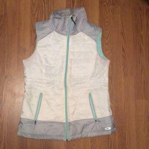 Light puff vest